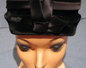 Vintage 1950s Black Velvet and Satin Pillbox Hat