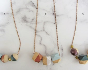 Necklace / / wooden beads of chain of wood, brass / articulated necklace/geomatrisch/handmade/autumn tones/chain/gold/bronze/copper/Emerald