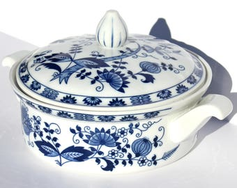 Seymour Mann Vienna Woods Fine China Blue Onion Pattern Dish with Lid/Handles | Blue and White Ceramic Casserole Dish | Vintage Serving Dish