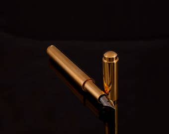 Fountain pen  gold , hand crafted, custom made, turned