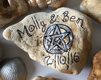 10 Personalised wedding favours // pagan favour // handfasting gifts // wiccan favour // fairy stones // adder stones // pentacle favor