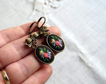 Embroidered earrings. Earrings with hand embroidery. Vintage style jewelry. Retro jewellery.  Bow earrings.