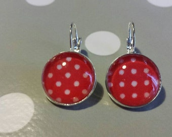 Red Rockabilly at White peas earrings