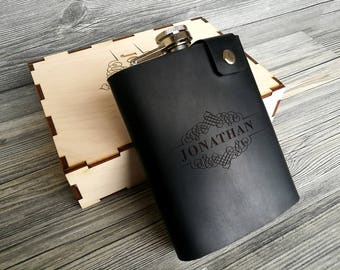 Personalized Leather Flask, Genuine Leather Hip Flask, Gift for Dad, Leather Wrapped Flask, Groomsman Flask, Gift for Him, Groomsmen Gift