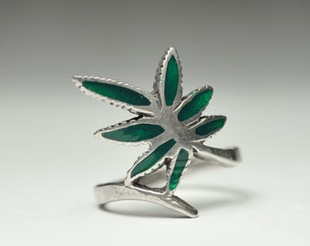 T08A02 Vintage Art Nouveau Style Green Leaf Branch 925 Sterling Silver Ring Size 9.5