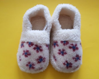 Women home slippers; slippers; wool comfortable footwear; gift for her; adult slippers