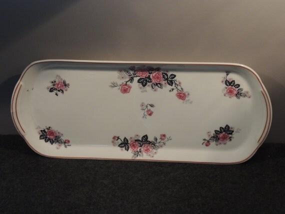 Superb flat tableware has cake décor floral porcelain around 1930
