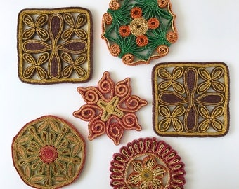 Vintage Woven Straw Trivets   Set of 6 Flower Floral Straw Trivets   Boho Wall Decor   Kitchen Wall Decor   Hot Pads   Colorful Wall Art