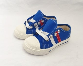 childrens sneaker low top tennis shoe size 5