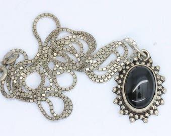 Silver vintage black onyx necklace/onyx pendant/onyx jewellery/black necklace/gemstone necklace/gemstone jewellery/black pendant/onyx gift