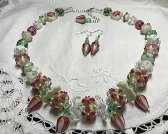 Lampwork necklace, swarovski crystal necklace, pink and green lampwork necklace, lampwork rose necklace, mothers's day gift, girlfriend gift