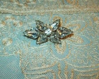 A lovely antique brooch, rhinestone couture costume jewelry