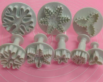 8 molds cake Multi shaped snowflakes, Holly leaves, sugar paste