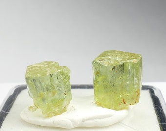 2 Specimens of natural rough yellow green Apatite 5,25g from Morocco raw terminated crystal for wire wrapping or jewelry (#PF247)