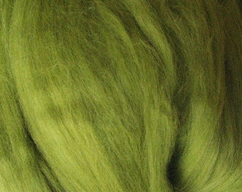 Merino Wool top fibre, dyed chartreuse light green roving, 100g, Needle felting, wet felting, spinning, chartreuse (light green)