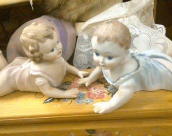 PAIR PIANO BABIES