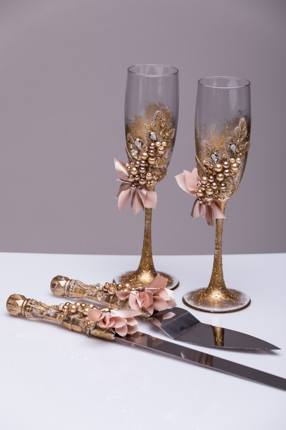 wedding cake serving set and flutes personalized wedding glasses and cake server set cake cutter 24298