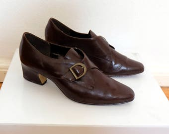 1970s leather shoes // brown vintage leather heels // genuine leather womens shoes