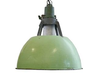 Vintage green industrial lights - Green factory lamps - vintage enamel lamps - industrial lighting - green lamp - industrial pendant light