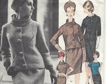 "1961 Vintage VOGUE Sewing Pattern B31"" Jacket -Skirt  & Blouse  (R426) Guy Laroche"