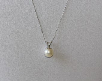 Natural Freshwate Pearl in 14k Solid White Gold Necklace & Pendant