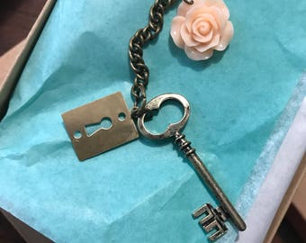Vintage pale rose zipper charm