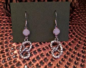 Pretzel Glass Dangle Earring