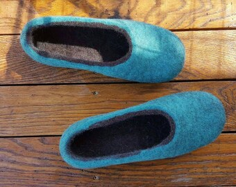 Women wool felt slippers Women house shoes Organic boiled wool slippers  Felt slippers Handmade slippers Felted wool slippers