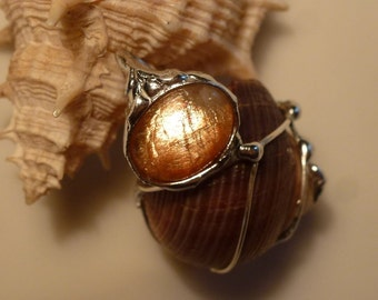Sunstone pendant with Sonnenstein, 26x19mm, counterpart and conch seashell, silver pendant