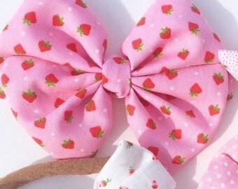 Vintage Fabric Strawberry Kaya Bow