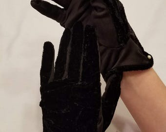 1950's Vintage Gloves, Black Velvet with White Pearls, Nylon Size 7