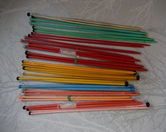 16 pairs Vintage Plastic Knitting Needles from the 1950s-70s, Knitting, Crafts, Various Sizes, Colours, Rohinoid Guage,