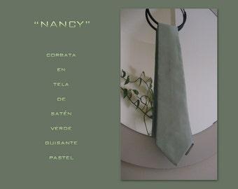 Nancy. Tie satin green pea cake.