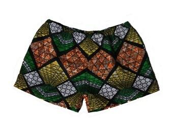 african print shorts with elastic waist and side pockets // ankara shorts // african shorts // women's shorts // wax print shorts