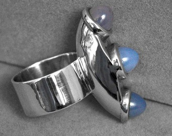 Solid Silver three chalcedony stones handcrafted ring Size 8.5 r657