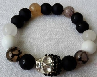 Skull semiprecious beads bracelet