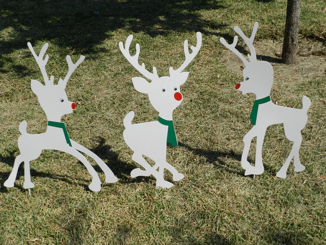 Metal yard art christmas lawn decor outdoor christmas for Christmas yard ornaments