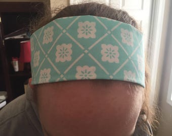 Reversible blue and white headband