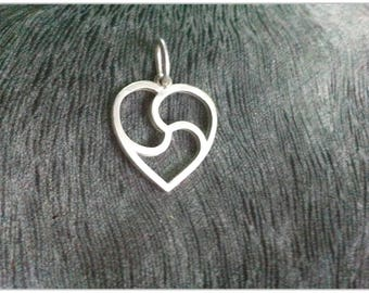 Small-sized Heart BDSM Emblem Handmade Pendant, BDSM Triskele Symbol in the form of a heart, Sterling silver (925), Unisex, S