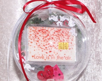 2 g gold gift bar motif: Love is in the air in Plexiglass ball handmade decorated Valentine's Day gift wedding gift