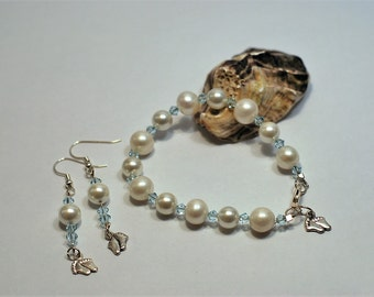 Swarovski crystal and pearl bracelet and earring set