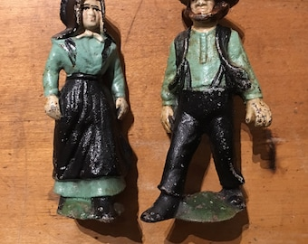 Cast Iron Amish Man and Woman