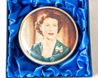 Queen Elizabeth II coronation tin. Original British vintage from 1953. Collectible history, home decor, retro English modern.