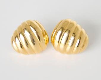 Vintage Gold Scalloped Post Earrings