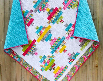 Courthouse Steps Quilt, Quilted Throw, Lap Quilt, Quilt
