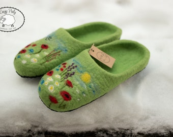 Gift for Mother Woolen shoes Felted Wool Slippers House Shoes Felt Slippers Woolen Clogs Felt Shoes with Flowers Ornaments Felted Clogs