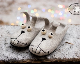 Easter bunny Womens slippers warm cozy gift, House Shoes Wool slippers Felted slippers Bunny shoes Funny rabbit slippers grey wool slippers