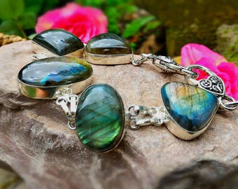 Bracelet with Labradorite stone excellent for protection