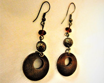 Copper wood drop earrings Heart engraved in the 60s - long earrings, copper and wood