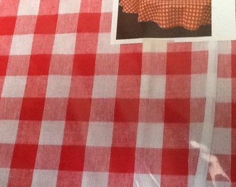 Vintage Red Round Checkered Tablecloth